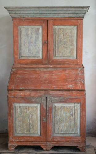 18th Century Swedish Bureau cabinet in  orig