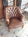 Pair of chesterfield leather chairs - picture 3