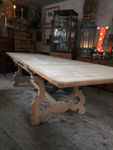 Massive bleached Oak extending dining table