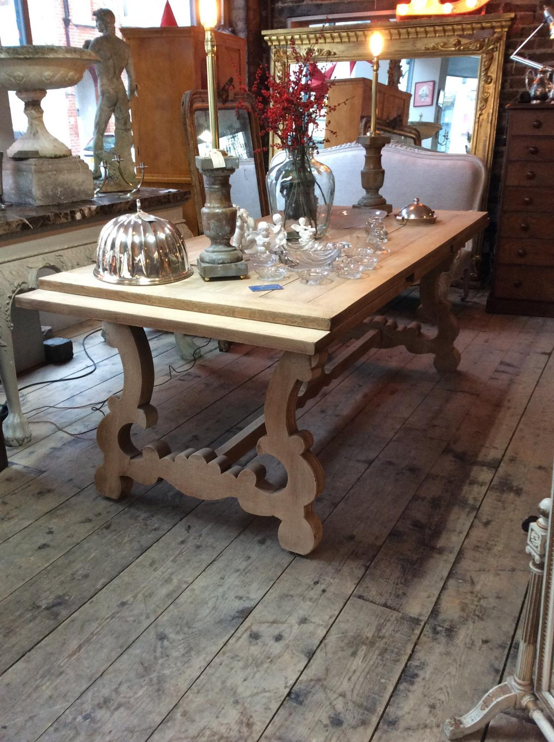 ... Massive Bleached Oak Extending Dining Table   Picture 2 ...
