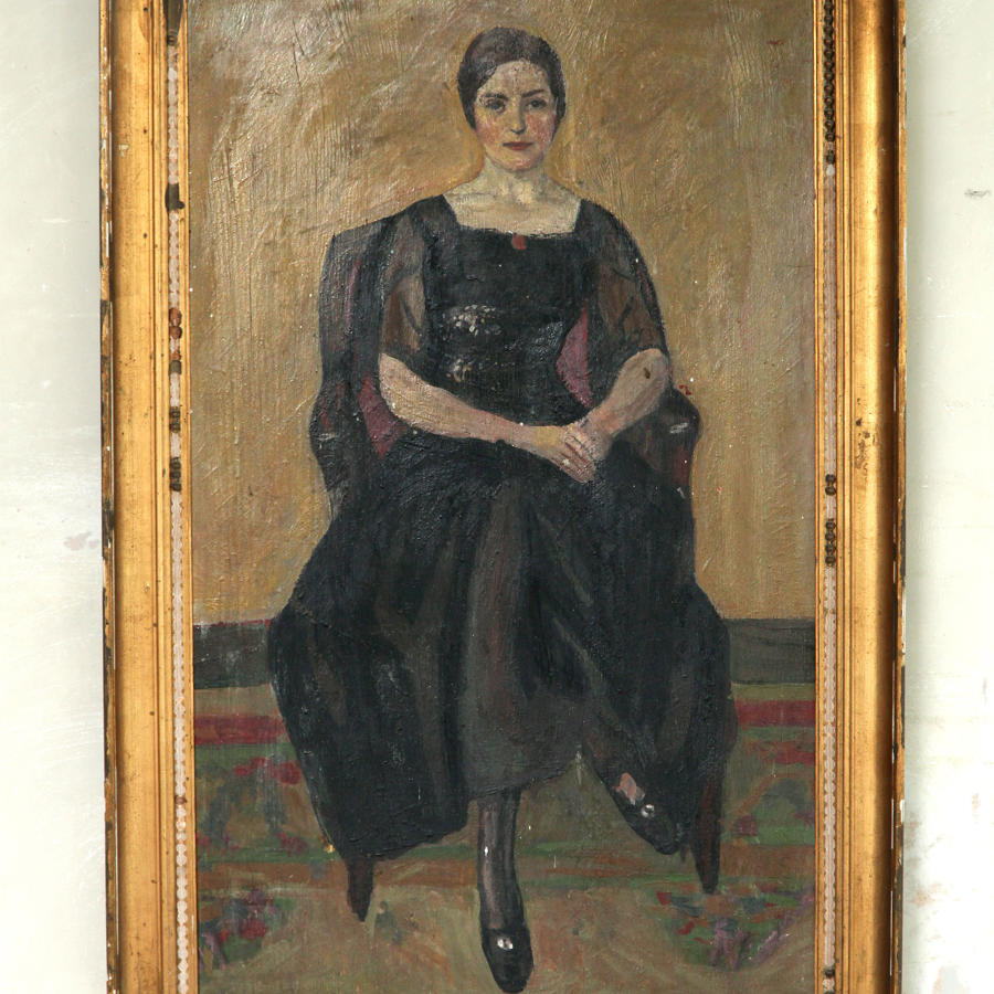 Early 20th C portrait of lady